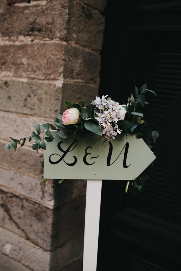 1 segnaletica-freccia-matrimonio-sposi-fiori